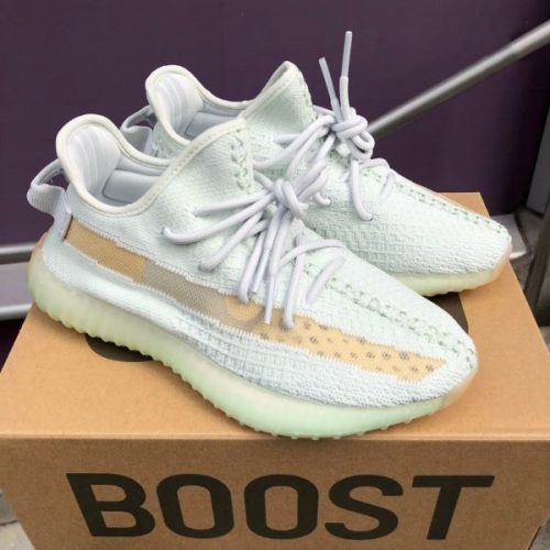Yeezy 350 Boost V2 Hyperspace photo review