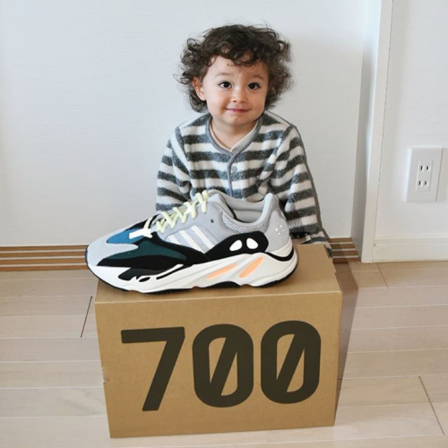 Yeezy Boost 700 Wave Runner sneakers photo review